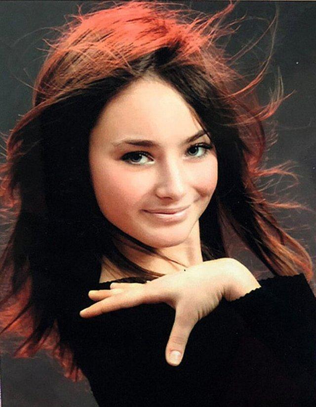 Ксенія Мішина показала, як вона виглядала в дитинстві - фото 371043