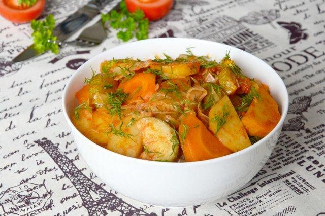 Сезонні страви з капусти: прості рецепти з фото - фото 371140