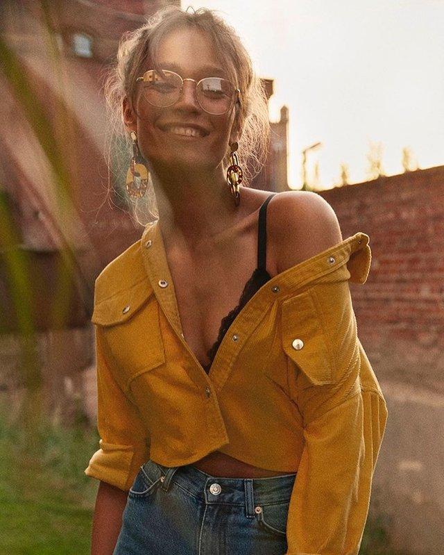 Дівчина тижня: гаряча модель Олександра Ободянська, яка стала обличчям Держави в смартфоні - фото 371298