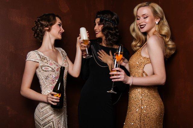 У чому зустрічати Новий 2020 рік Білого Щура: який одяг буде модний - фото 371318