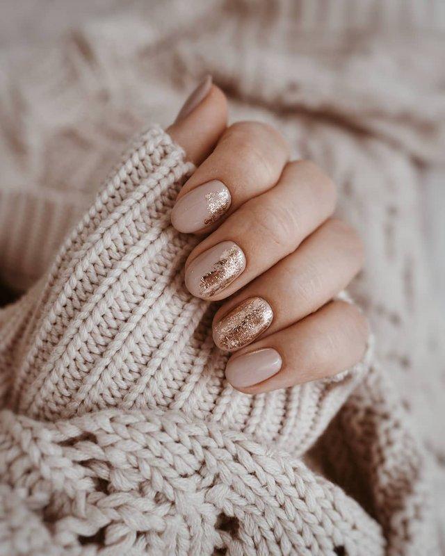 Манікюр на зиму 2019 – 2020: модні тренди дизайну нігтів у фото - фото 371648