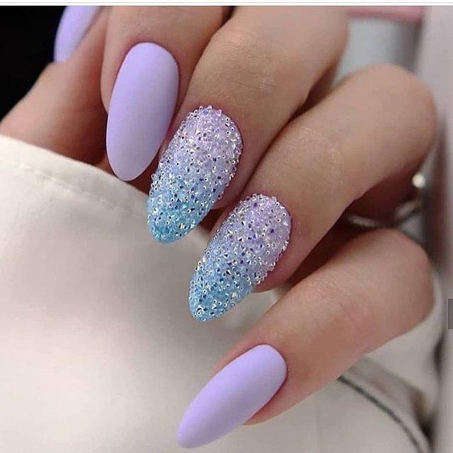Манікюр на зиму 2019 – 2020: модні тренди дизайну нігтів у фото - фото 371650