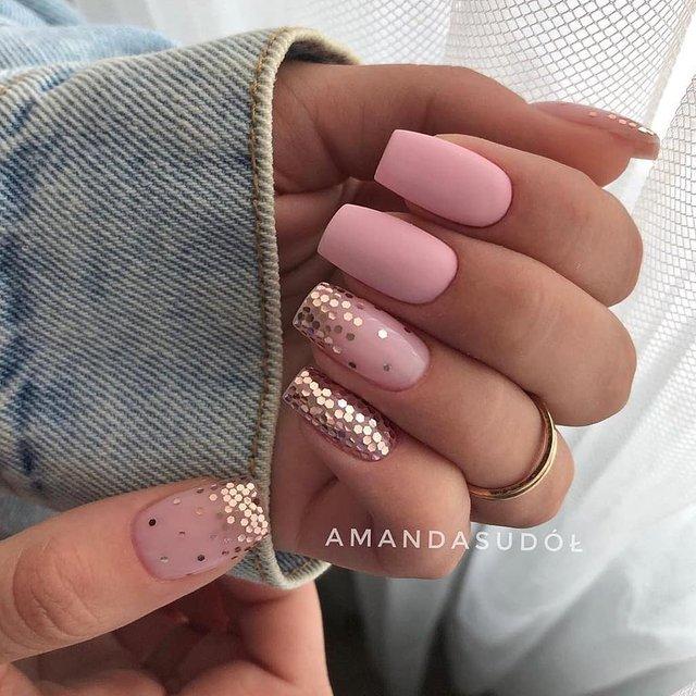 Манікюр на зиму 2019 – 2020: модні тренди дизайну нігтів у фото - фото 371651