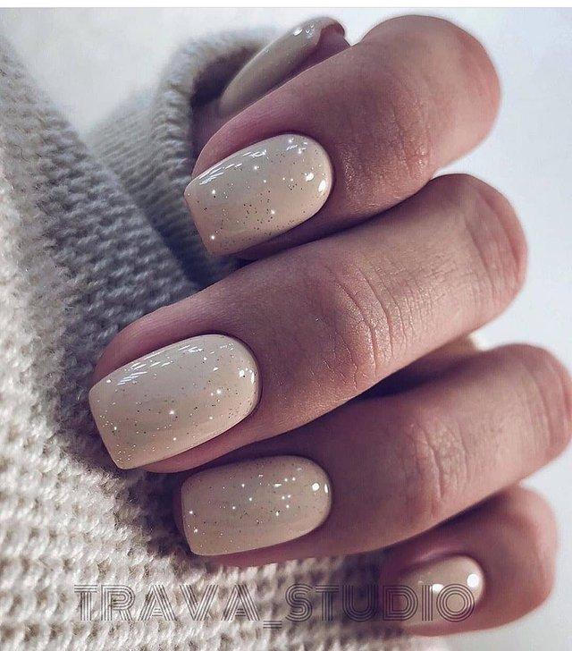 Манікюр на зиму 2019 – 2020: модні тренди дизайну нігтів у фото - фото 371652