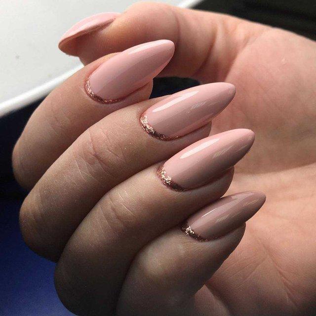 Манікюр на зиму 2019 – 2020: модні тренди дизайну нігтів у фото - фото 371655