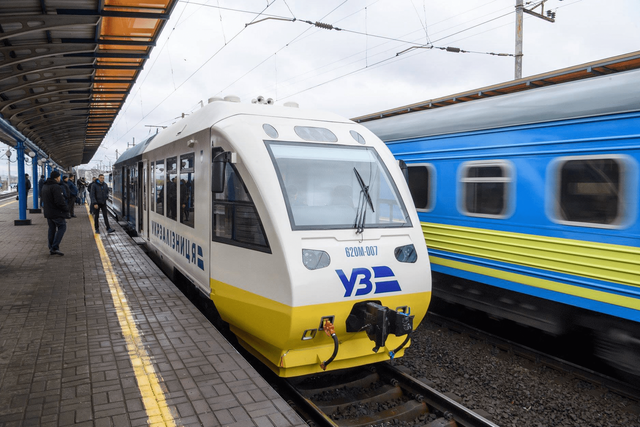 Укрзалізниця підіймає ціни на поїздки потягами - фото 371740