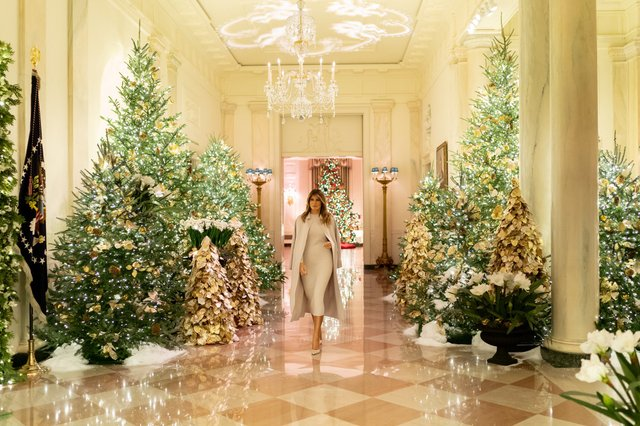 Меланія Трамп показала, як прикрасила Білий дім до Різдва - фото 371814