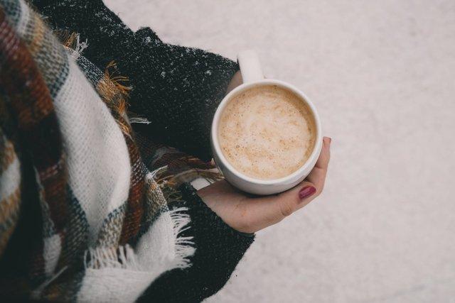 Взимку потрібно тепло вдягатись - фото 372393