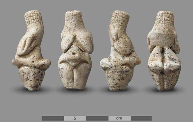 Археологи знайшли статуетку Венери віком 23 тисячі років - фото 372668