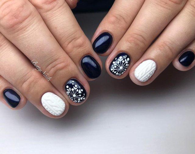Новорічний манікюр 2020: готові варіанти нігтів на Новий рік у фото - фото 372784