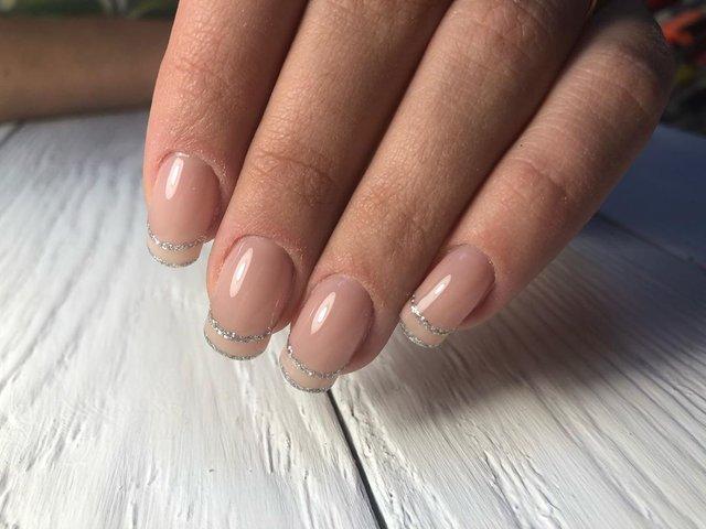 Новорічний манікюр 2020: готові варіанти нігтів на Новий рік у фото - фото 372799