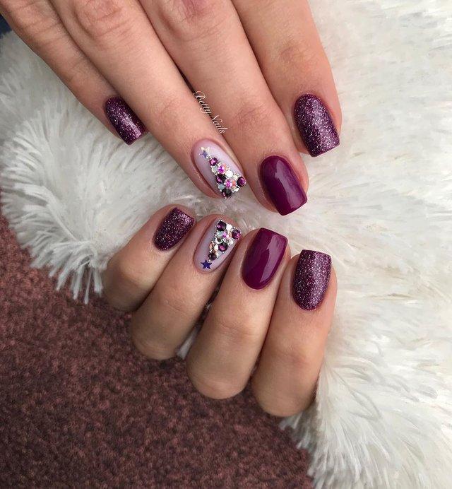 Новорічний манікюр 2020: готові варіанти нігтів на Новий рік у фото - фото 372807