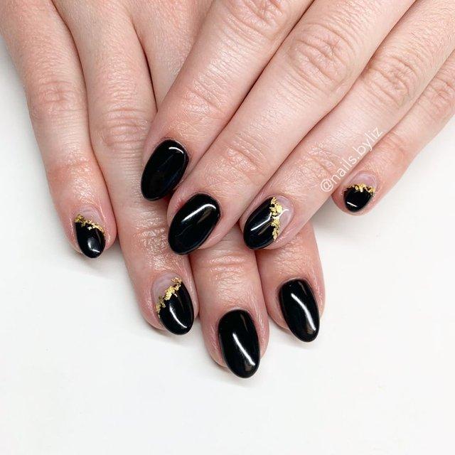 Новорічний манікюр 2020: готові варіанти нігтів на Новий рік у фото - фото 372812