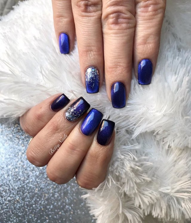 Новорічний манікюр 2020: готові варіанти нігтів на Новий рік у фото - фото 372814