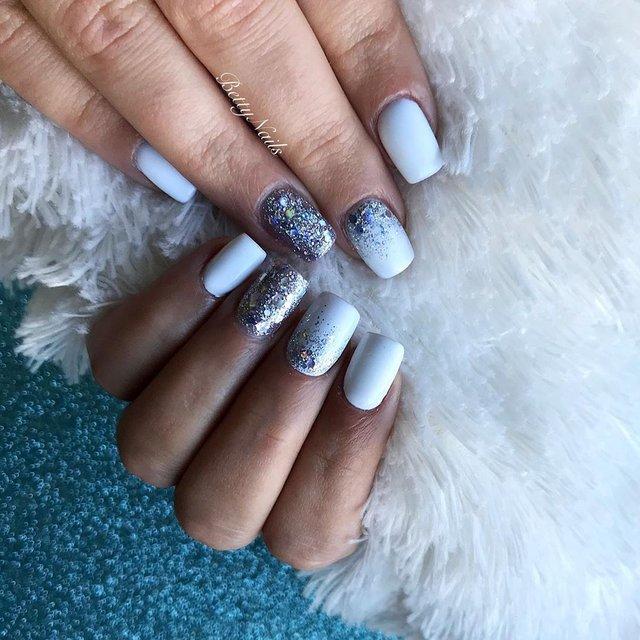 Новорічний манікюр 2020: готові варіанти нігтів на Новий рік у фото - фото 372817