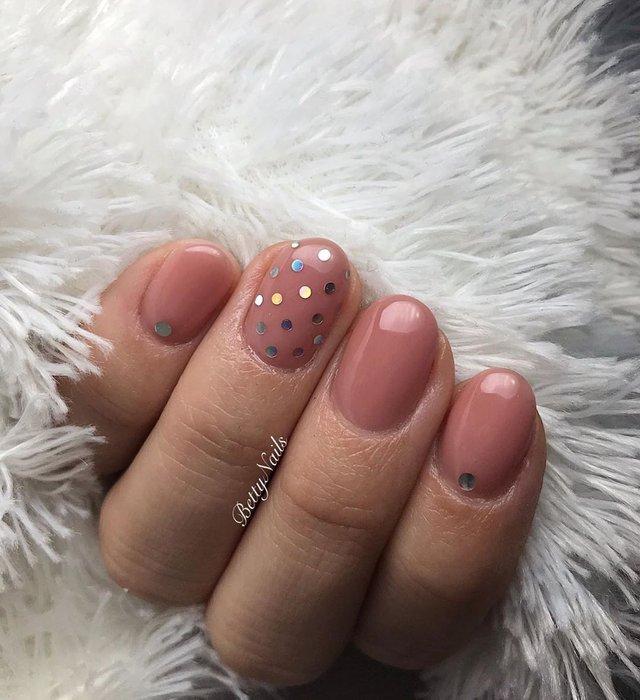Новорічний манікюр 2020: готові варіанти нігтів на Новий рік у фото - фото 372824