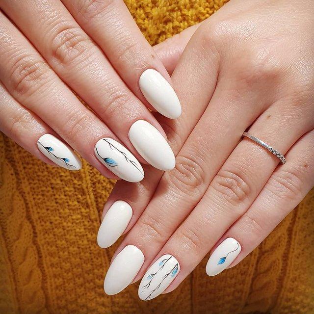 Новорічний манікюр 2020: готові варіанти нігтів на Новий рік у фото - фото 372825