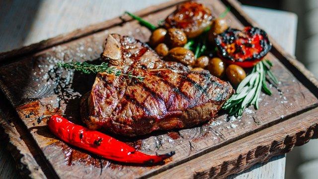 М'ясо не слід повторно підігрівати - фото 372938