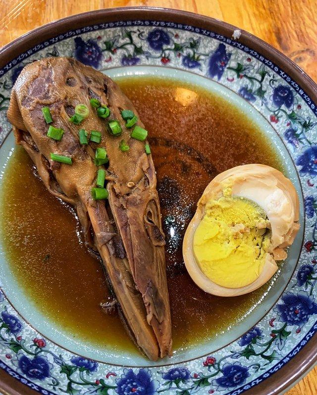 Леся Нікітюк вразила шанувальників дивним сніданком у Китаї: фотофакт - фото 373000