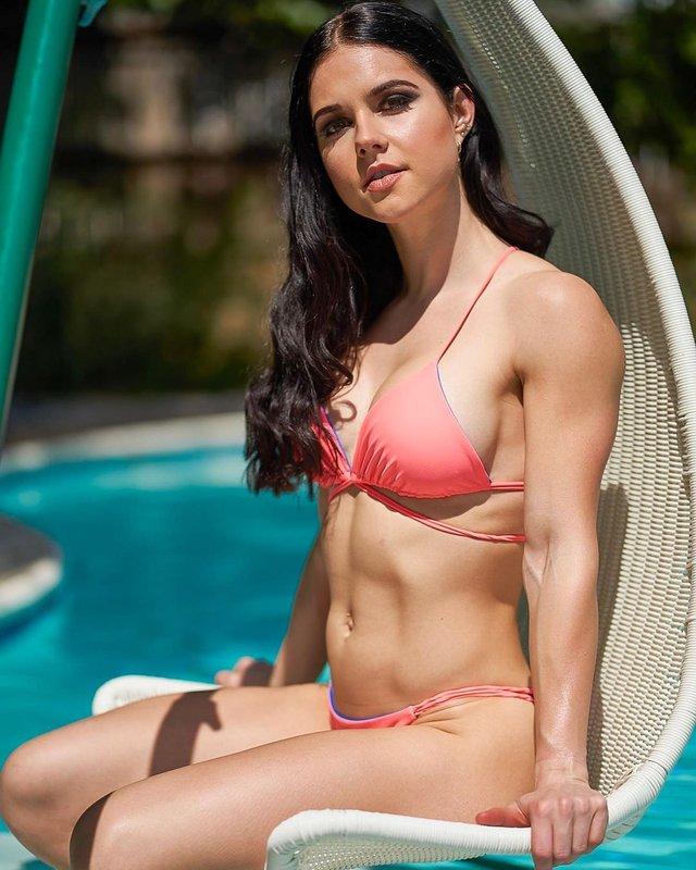 Дівчина тижня: акушерка Шеріл Грант, яка стала гарячою фітнес-моделлю (18+) - фото 373024