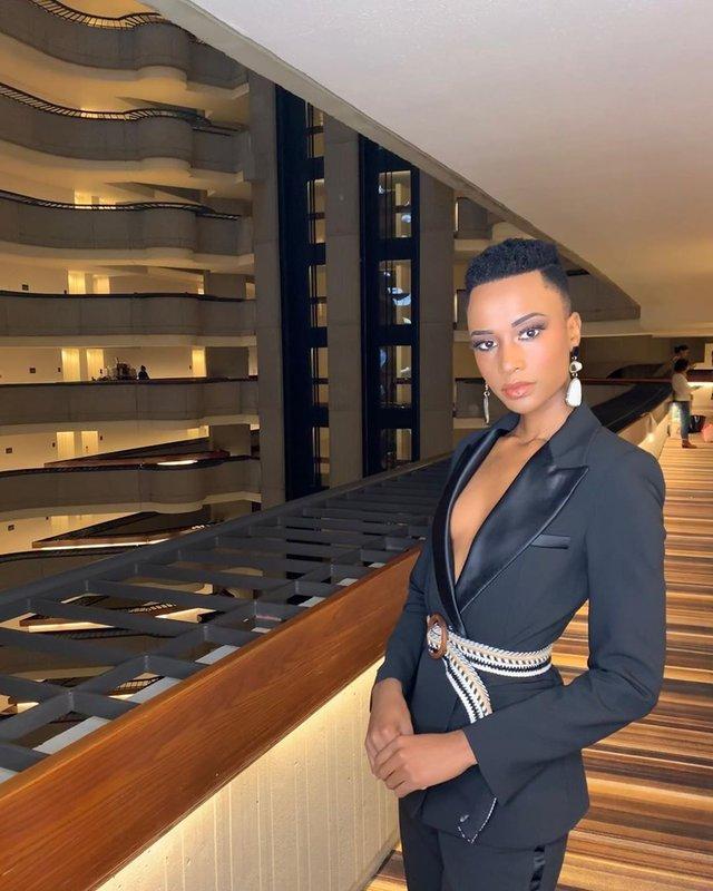 Зозібіні Тунзі – Міс Всесвіт 2019: добірка гарячих фото представниці ПАР - фото 373038