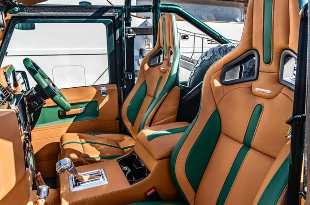 Land Rover Defender перетворили на розкішну 'яхту' - фото 373287