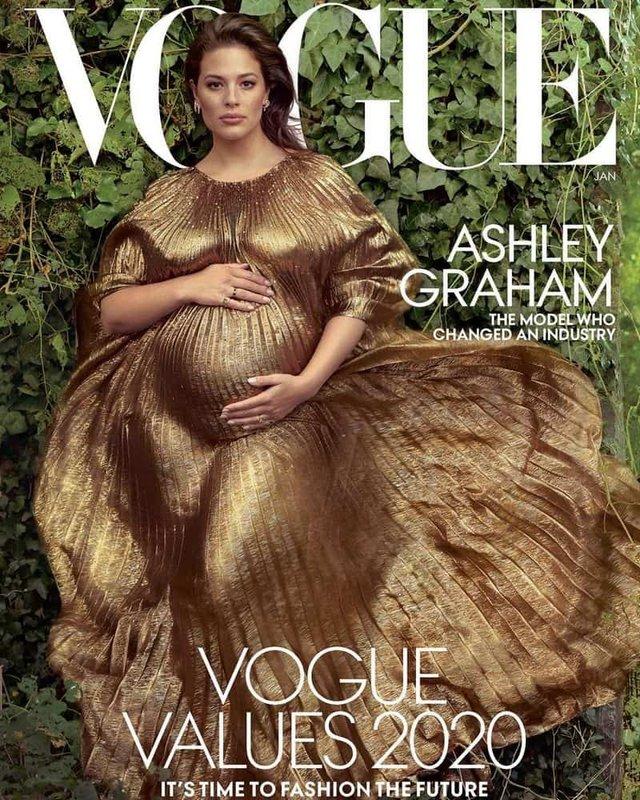 Вагітна Ешлі Грем з чоловіком прикрасили модний журнал - фото 373314