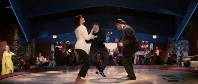 В інтернеті згадали, як Квентін Тарантіно повторював танець з Кримінального чтива: меми - фото 373559