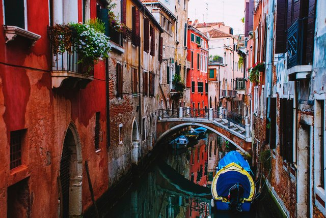Негода у Венеції злякала туристів - фото 373700