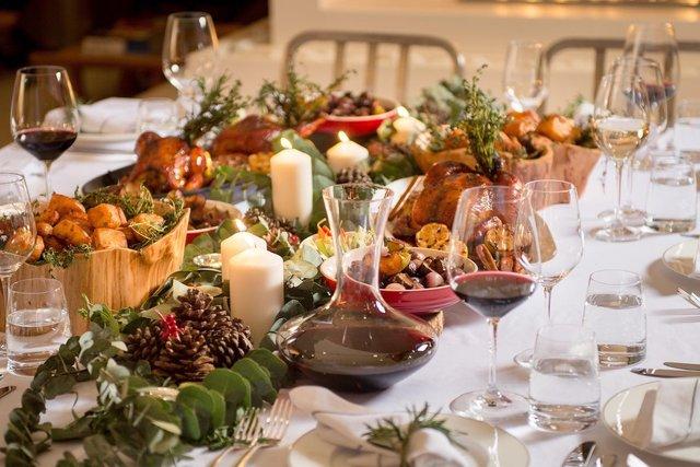 Від жирних страв і шампанського слід відмовитися - фото 374027