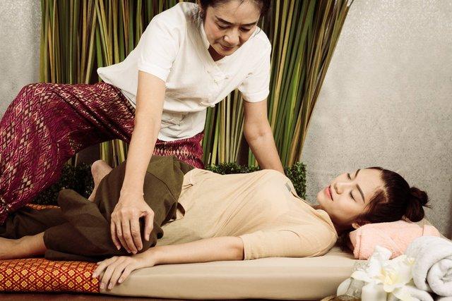 Цей масаж дозволяє зняти біль з усіх м'язів - фото 374041