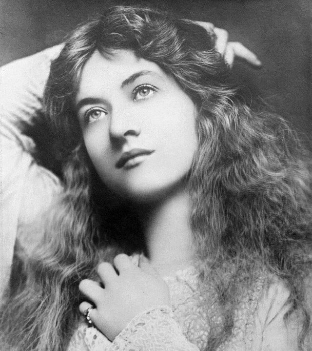 Ці жінки вважалися еталоном краси 100 років тому - фото 374138