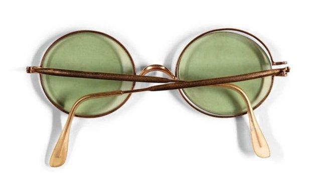 Окуляри Джона Леннона продали за великі гроші - фото 374145