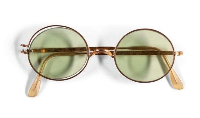 Окуляри Джона Леннона продали за великі гроші - фото 374146