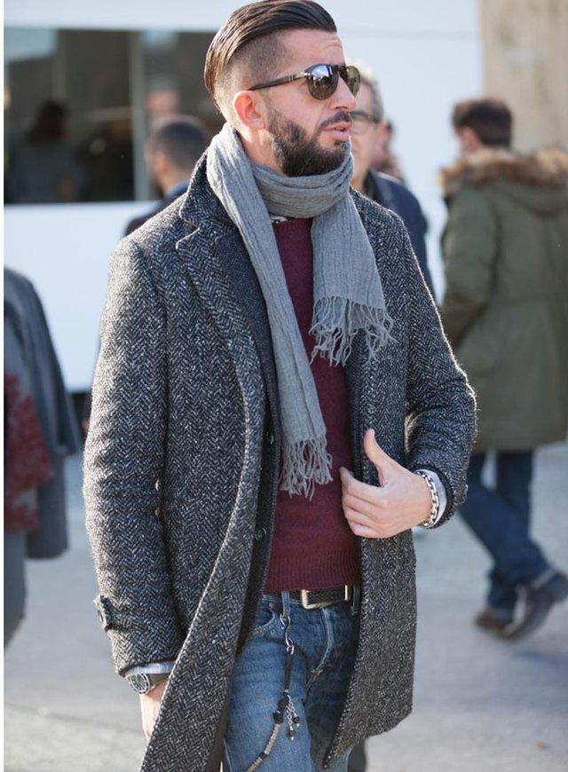 Як і з чим носити чоловічий шарф: 10 модних образів у фото - фото 374288