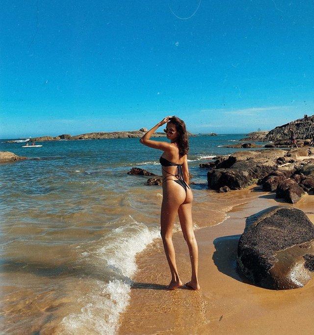 Пляжний ангел: модель Victoria's Secret показала гарячі фото - фото 377084