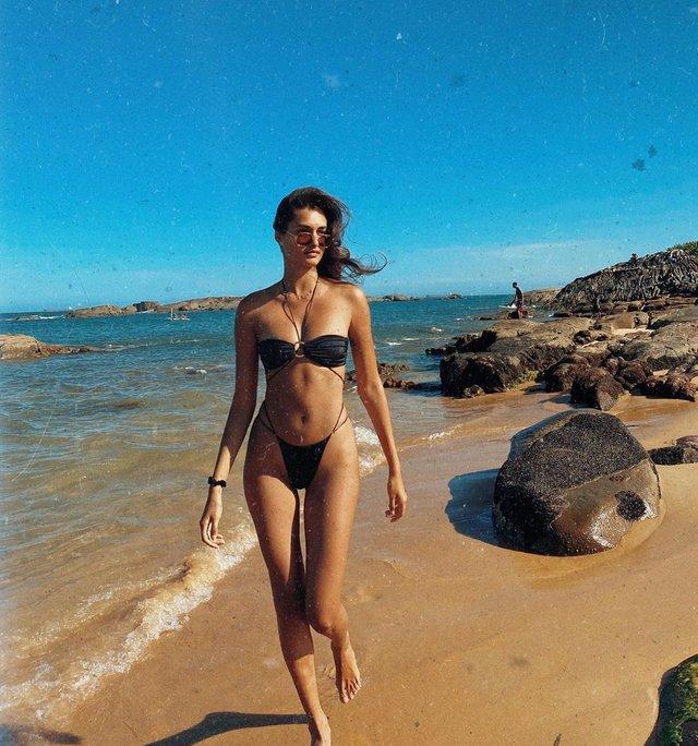 Пляжний ангел: модель Victoria's Secret показала гарячі фото - фото 377085