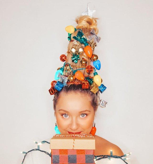 Ялинка замість зачіски: кумедні фото, які змусять усміхнутись - фото 377151
