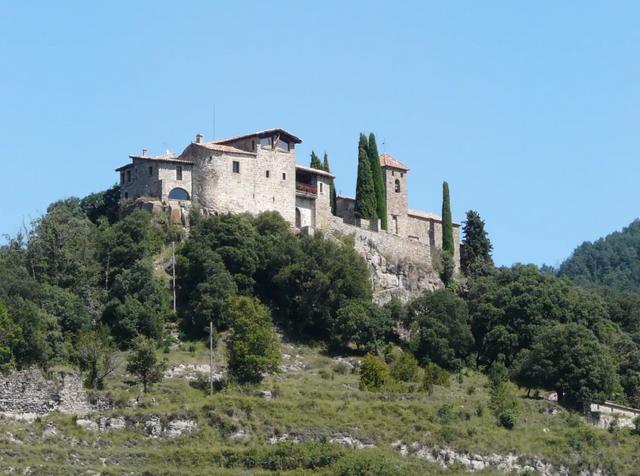 В Іспанії здають в оренду казковий замок: фото - фото 379099
