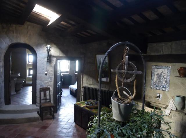 В Іспанії здають в оренду казковий замок: фото - фото 379100