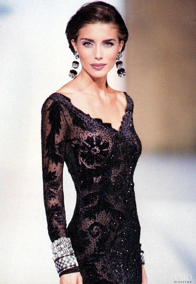 Моделі 90-х: як змінилася ефектна дружина Сталлоне Дженніфер Флавін (18+) - фото 379834