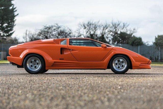 Унікальний Lamborghini Countach пустять з молотка - фото 379917