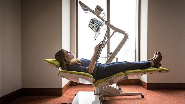 Вам сподобається: створено крісло, яке дозволяє працювати лежачи - фото 379925