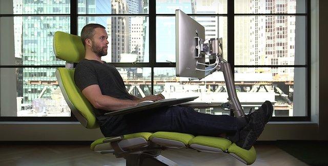 Вам сподобається: створено крісло, яке дозволяє працювати лежачи - фото 379926