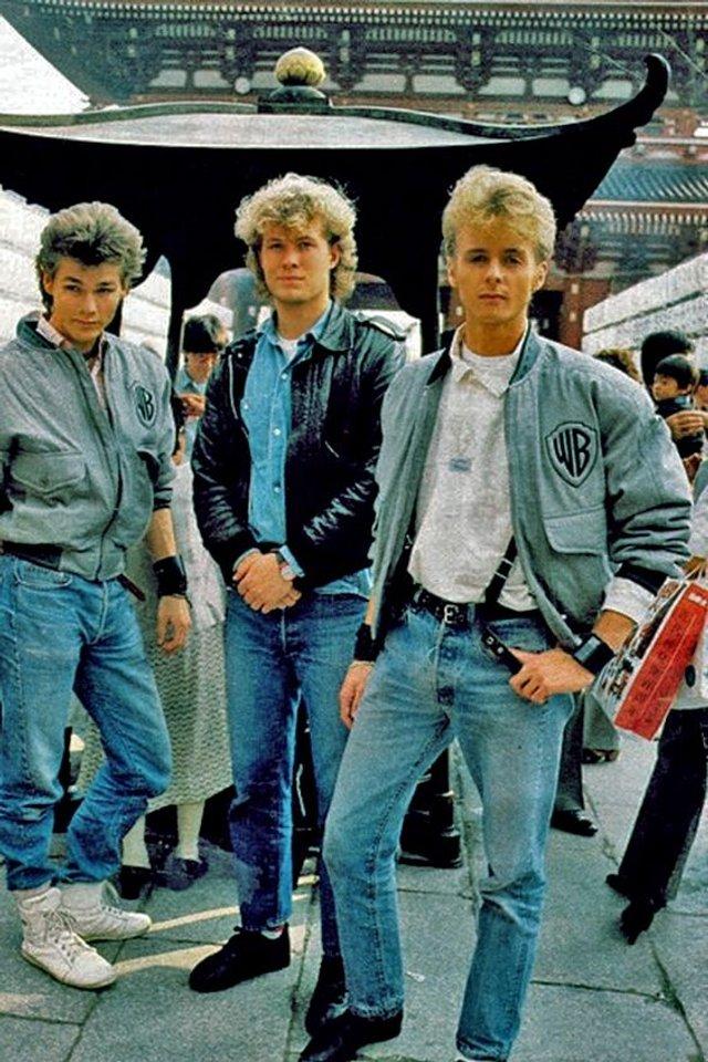 Тренди чоловічої моди 90-х, які будуть носити у 2020: найкращі чоловічі образи - фото 380417