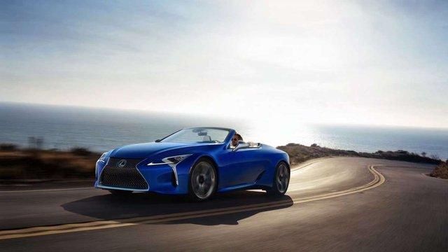 З молотка піде перший кабріолет Lexus LC 500: покупець отримає приємні бонуси - фото 380489