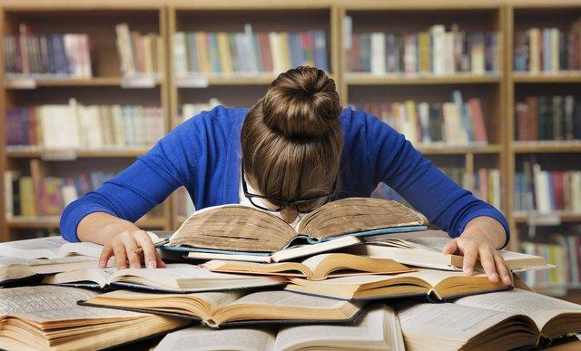 Борги стають причиною того, що студенти покидають навчання - фото 380527
