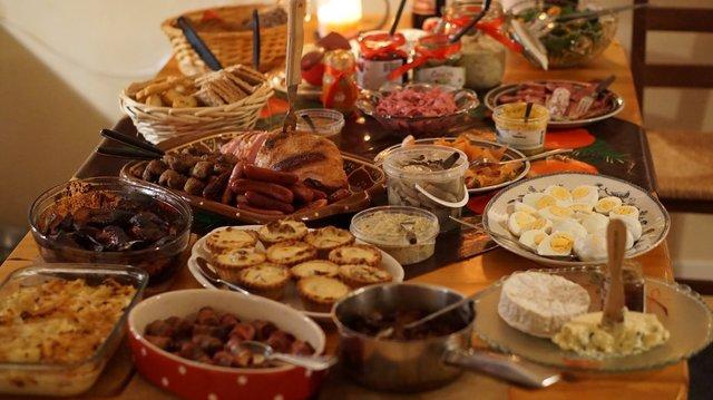 Другий Святвечір або Голодна кутя: які страви повинні бути на столінапередодні Водохреща - фото 380572