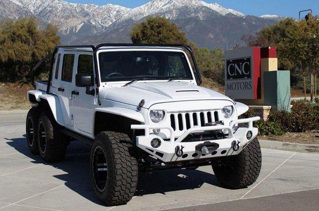 Монстр на колесах: як виглядає шестиколісний пікап на базі Jeep Wrangler - фото 380672