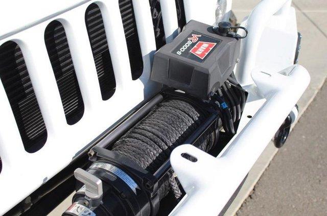 Монстр на колесах: як виглядає шестиколісний пікап на базі Jeep Wrangler - фото 380674